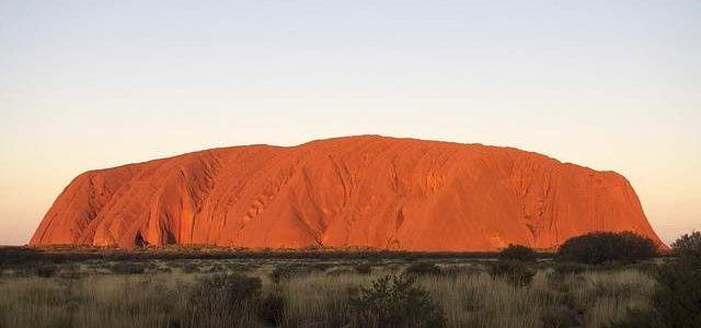 Ayers Rock i colori del deserto e il fascino di antichissime civiltà