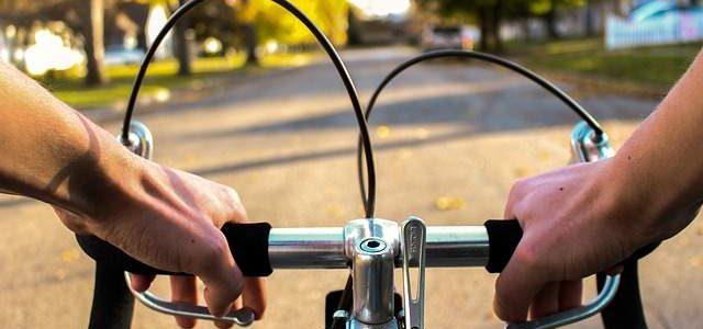 Come vestirsi per andare in bici quando fa freddo?