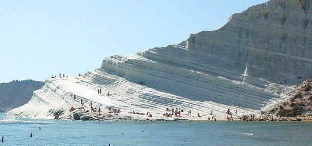 Agrigento, la suggestiva spiaggia di scala dei turchi