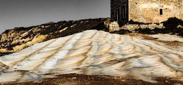 Agrigento, la candida spiaggia di Punta Bianca