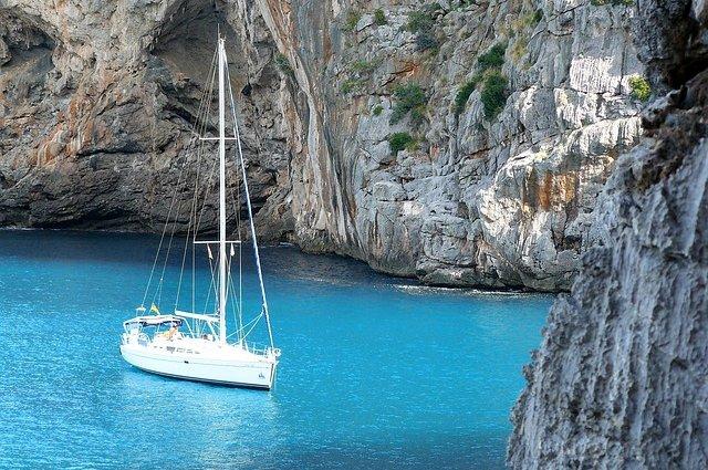 La vacanza che rende felici? La scienza dice che è in barca a vela